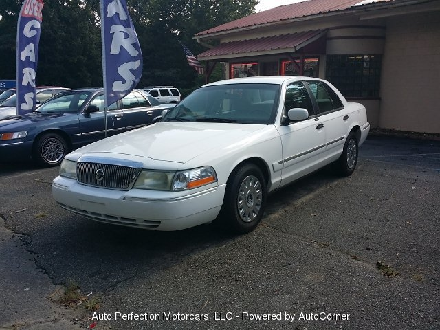 2003 Mercury Grand Marquis 4-Door Sedan GS